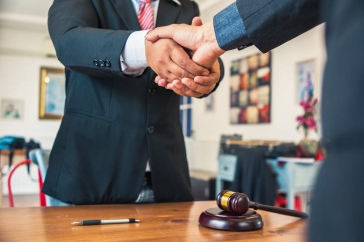 Regulačné poradenstvo, Prekladateľské služby, Sprostredkovanie predaja